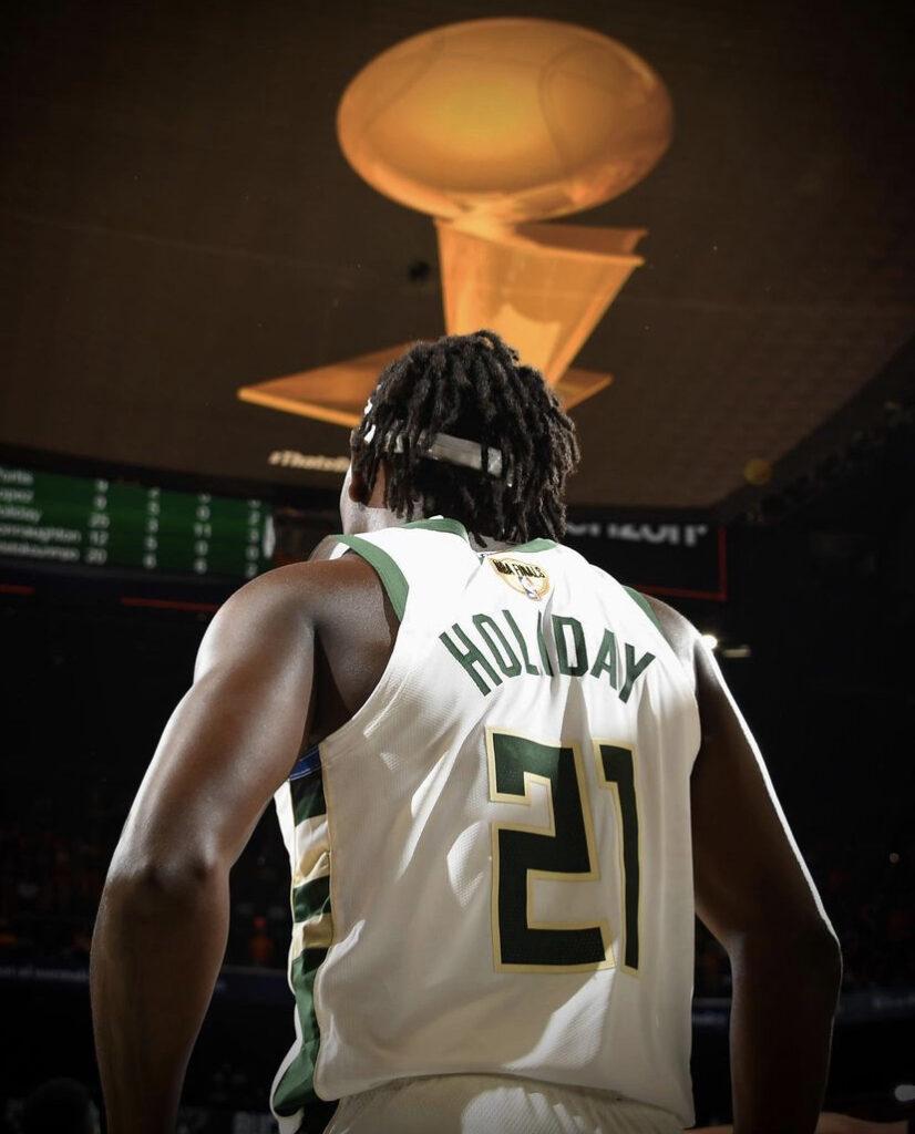 Bu görsel boş bir alt niteliğe sahip; dosya adı NBA-FINAL-HIKAYESI27-826x1024.jpg
